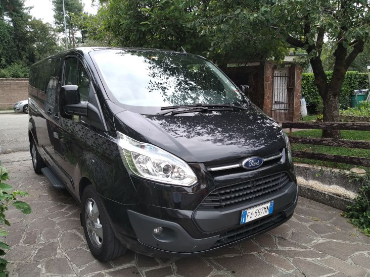 ford-tourneo-custom-fronte
